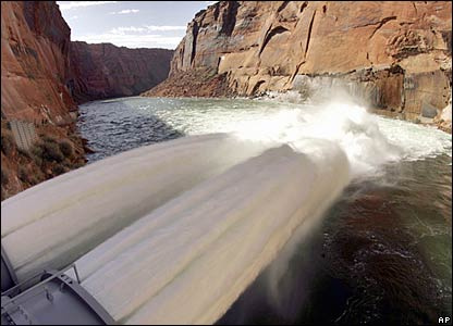 What 300,000 gallons per second looks like